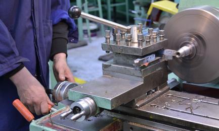 Mechanik monter maszyn i urządzeń